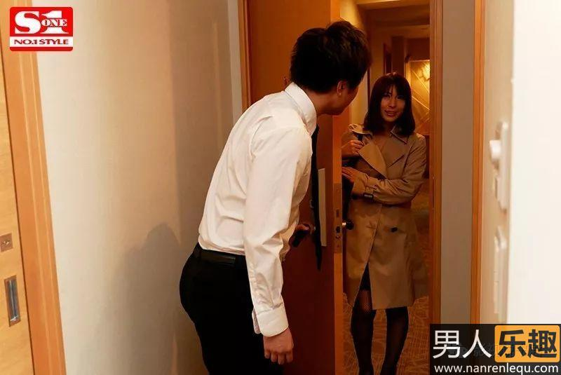 SSNI-453:外卖亲自送到家!快递员星野娜美小姐报道上岗!