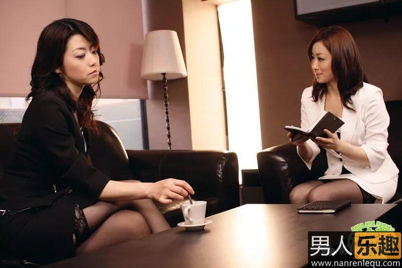 JUY-837:公认的第一熟女,老艺术家北条麻妃出差记!