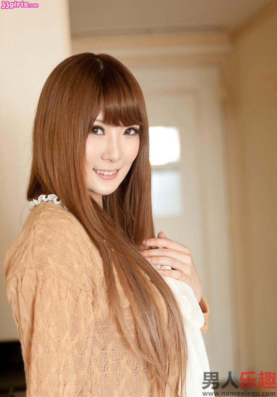 Hot Japanese AV Girls Momoka Nishina 仁科百華 Sexy Photos Gallery