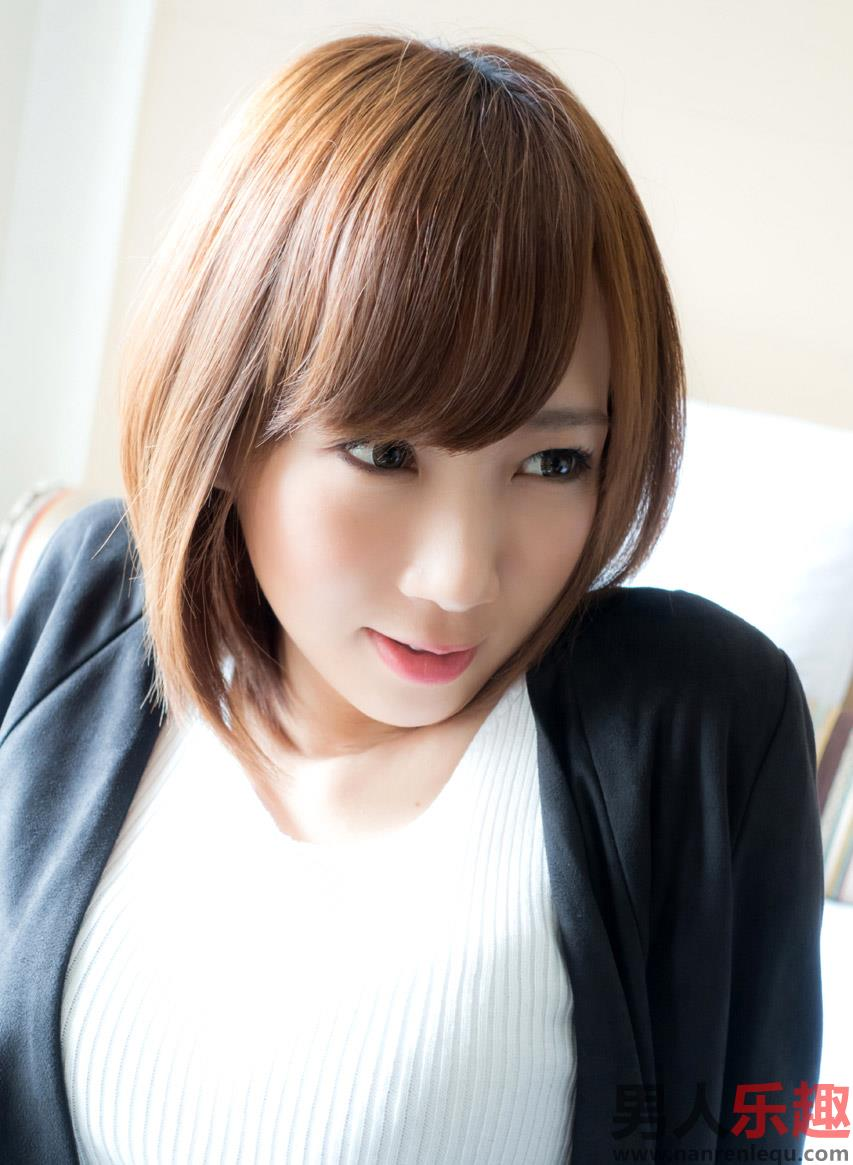 Hot Japanese AV Idol Nanaha 菜々葉 xXx Photos Gallery