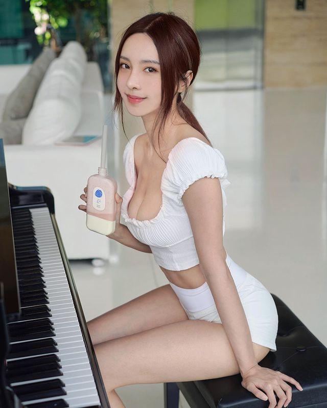 大马钢琴美女《李元玲》有才又有材