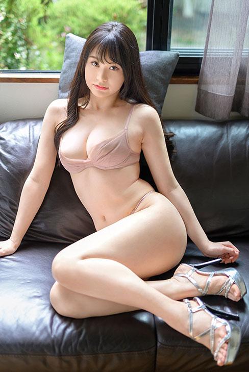 BGN-062 唯月优花极品完美胸型人作品