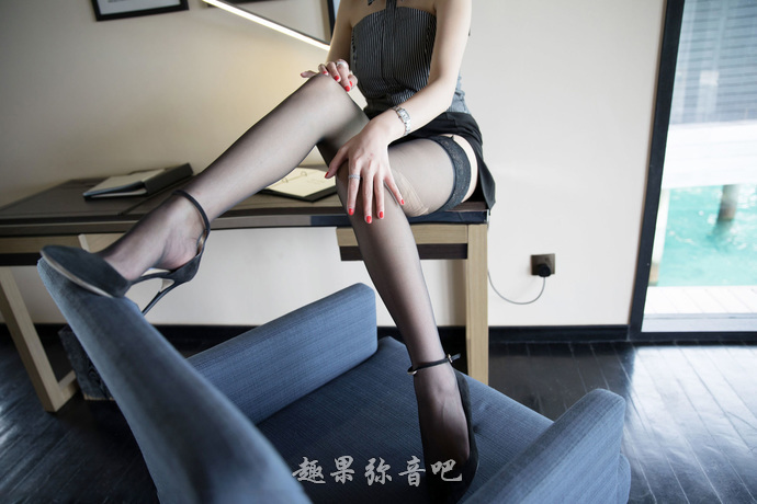安斋拉拉「SSNI-727」:和小鲜肉一起出差的女上司GIF图解
