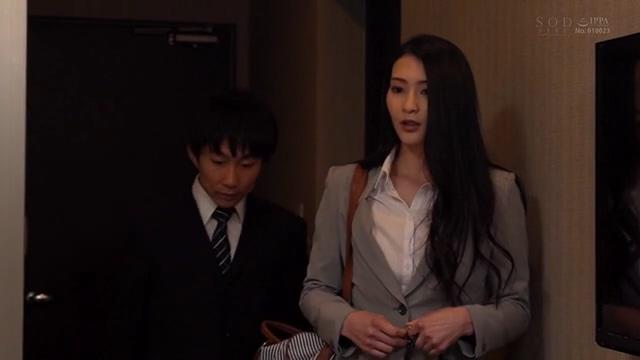 STARS-345:本庄鈴和下属在出差地同住酒店房间直到第二天早上