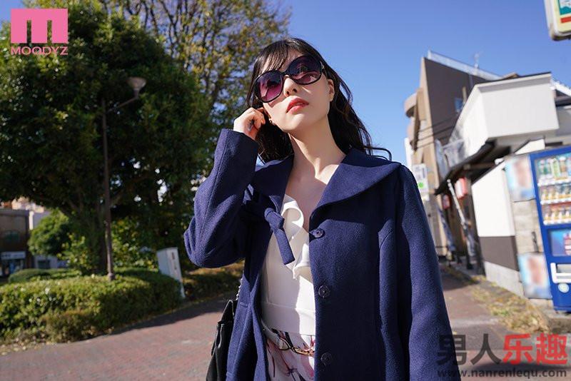 mide906 高傲人妻「蓝芽みずき」风俗店兼差被发现