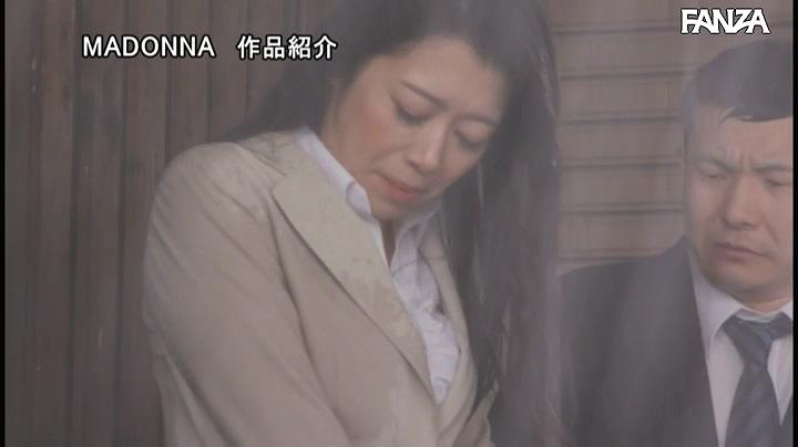 JUL-532:北条麻妃外勤中突然下起大雨 避雨的地方是情人旅馆
