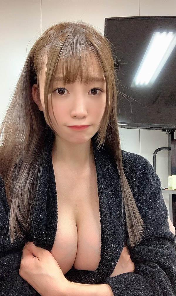 """拍片机器宣布封拍!困惑颜E罩杯美少女""""富田优衣""""宣布4月开始停止所有演艺活动!"""