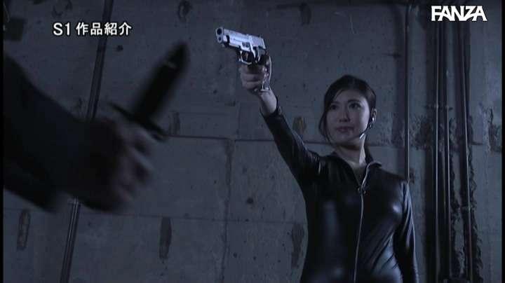 """SSNI-911:花宮あむ搜查官挑战黑暗组织""""极荣会""""的搜查任务"""