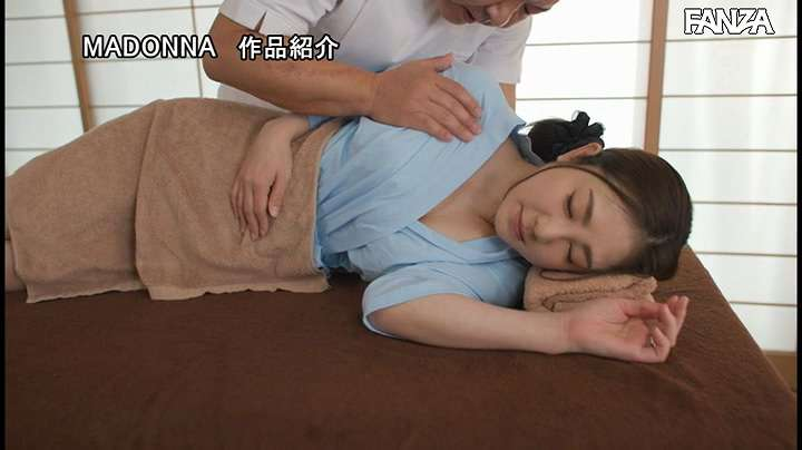 JUL-579:初音みのり腰酸背痛想按摩