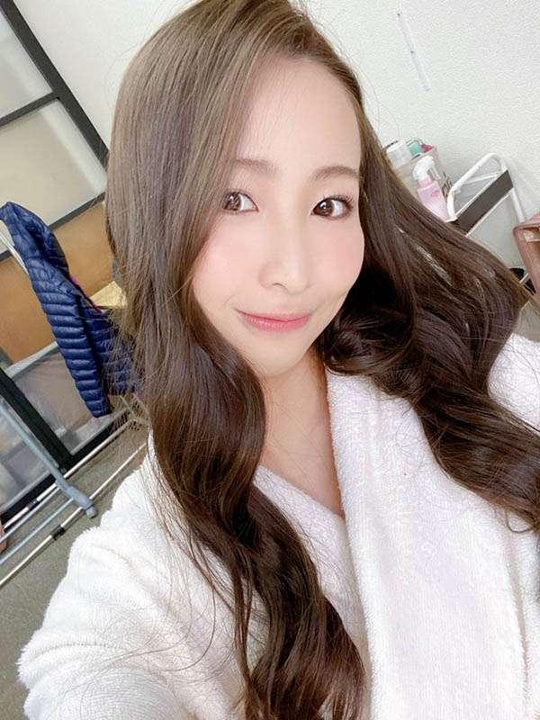"""26岁""""三尾惠""""业界出道!"""