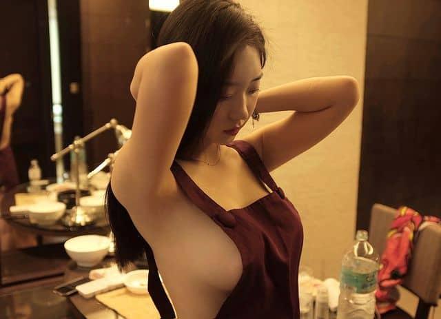 模特儿《신재은》性感依旧「婚后尺度一样大!