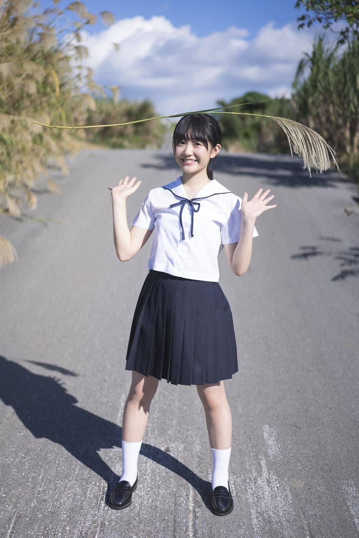 甜萌偶像《阿部梦梨》泳装微露!少女18岁清新性感香到翻掉
