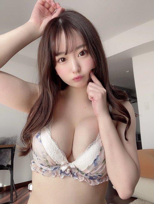 火辣美少女桃香奈芽(桃かなめ)本月新作挑战8秒