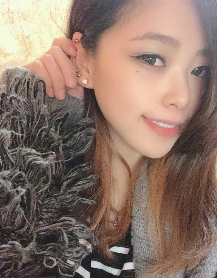 真木夏芽23岁巨峰辣妹