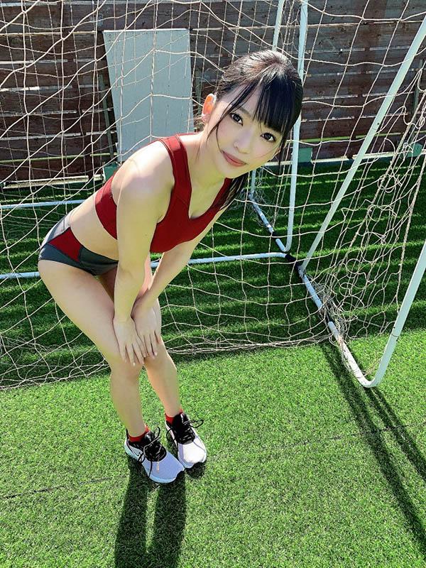 "SSIS-095 田径美少女""槙いずな""制服美臀太诱人"