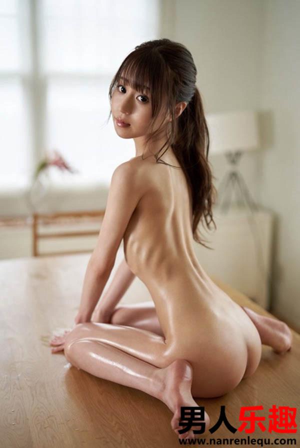 纯真花恋(纯真かれん)个人档案 身材太瘦了