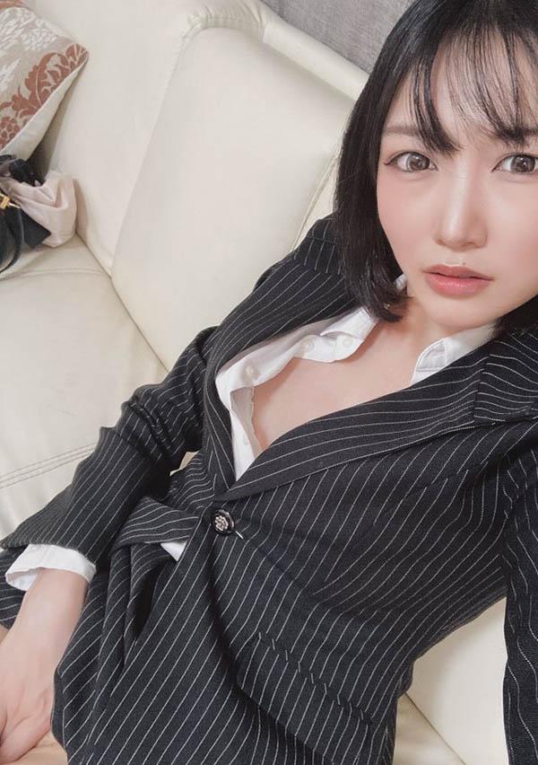 """移籍改名!22吋水蛇腰E罩杯美少女""""夏目未来""""转生再出发!"""