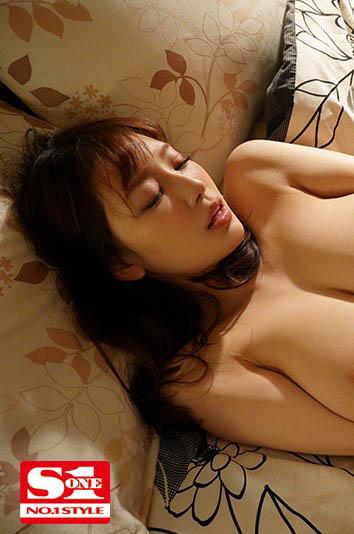 """SSIS-124 便利商店邂逅巨乳店员""""安斋らら"""""""