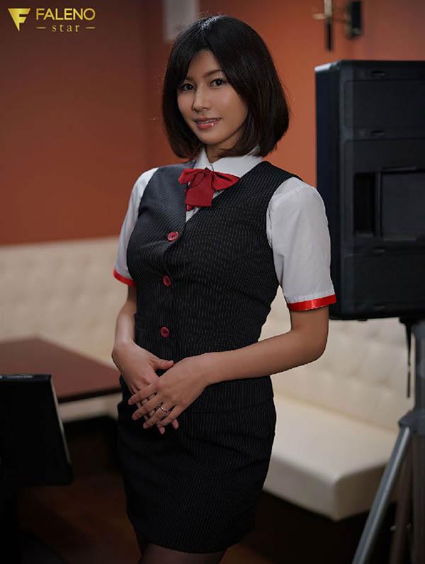 FLNS-131 美乃すずめ(美乃雀)改变自著名游戏ktv打工妹的沦陷