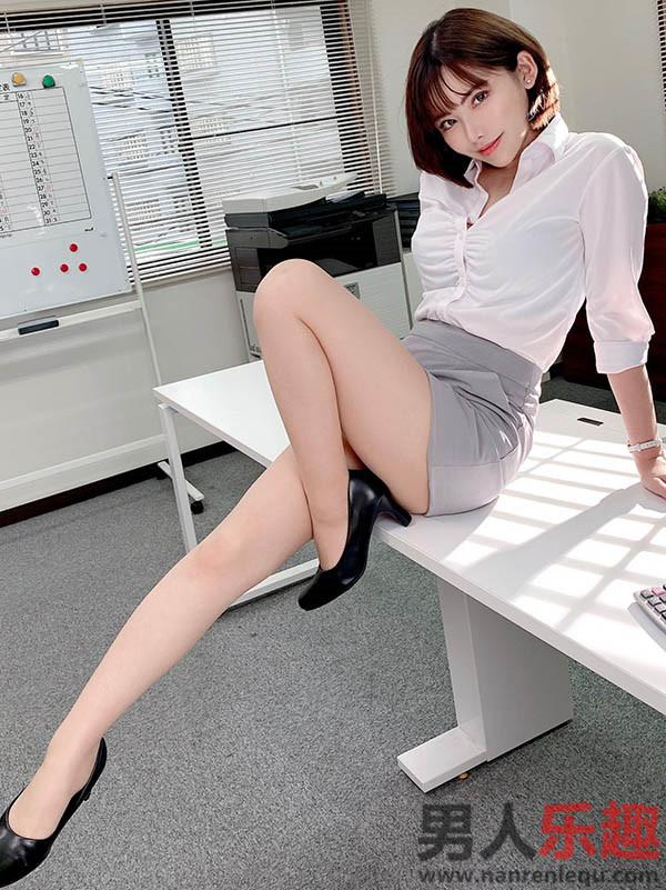 深田咏美上传「OL 装」近照网友又冲了